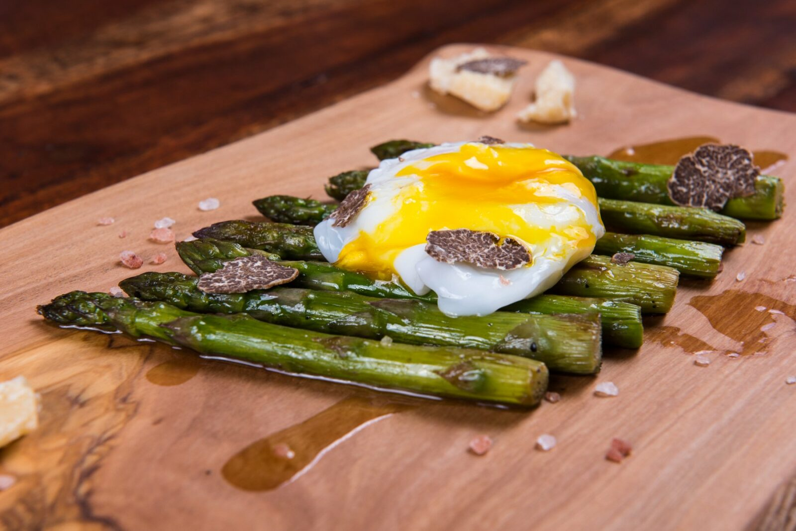 Grilled Asparagus, Poached Egg with White Truffle Cream Sauce