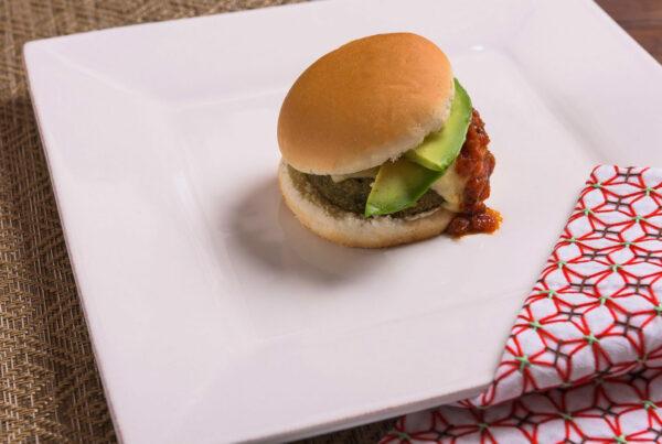Burger vegetariano al Tartufo con Avocado e Fontina